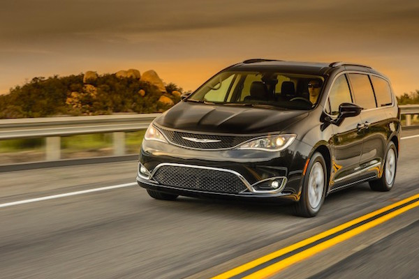 chrysler-pacifica-usa-september-2016-picture-courtesy-caranddriver-com