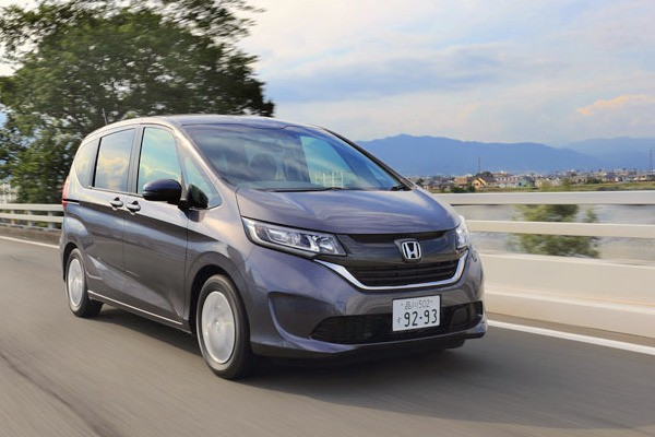 honda-freed-japan-october-2016-picture-courtesy-honda