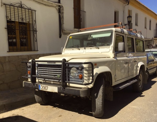 land-rover-defender-ronda