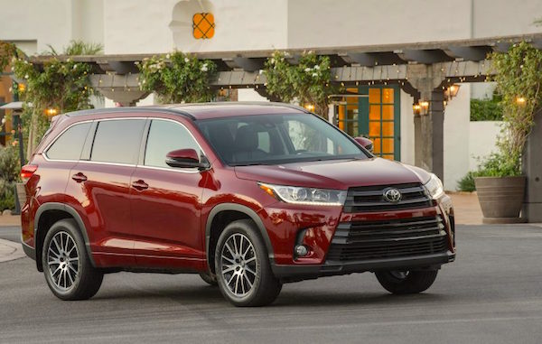 toyota-highlander-usa-november-2016-picture-courtesy-caranddriver-com