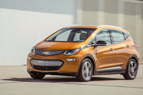 chevrolet-bolt-usa-december-2016-picture-courtesy-caranddriver-com