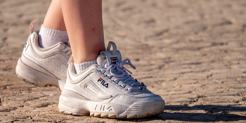 5 Best Shoes For Walking On Concrete Floors In 2020 - Best ...