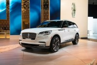 2022 Lincoln Mark E Luxury SUV Images