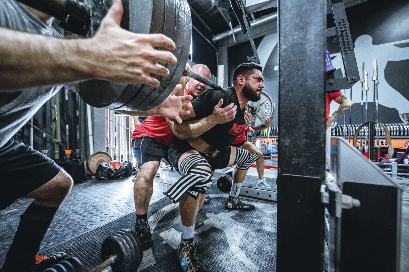 Powerfliting squat