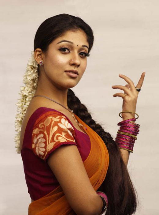 south-indian-masala-actress-nayanthara-stills-3