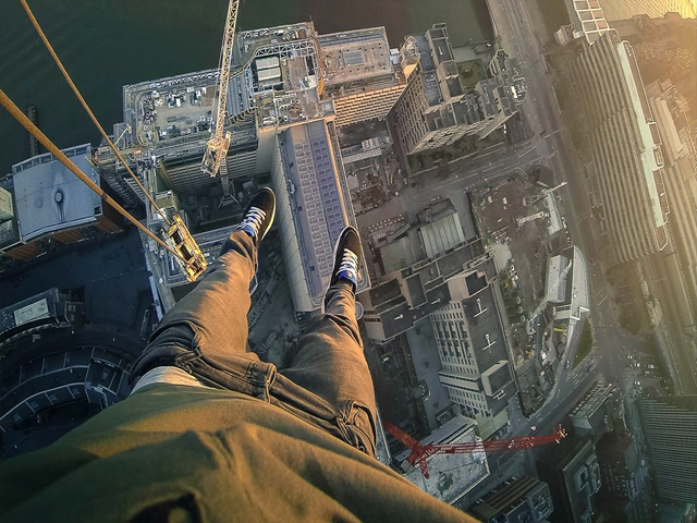 jump from high building