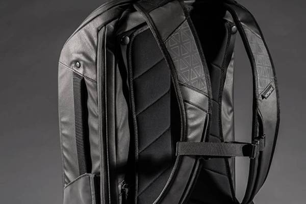 backpack nomatic travel bag review