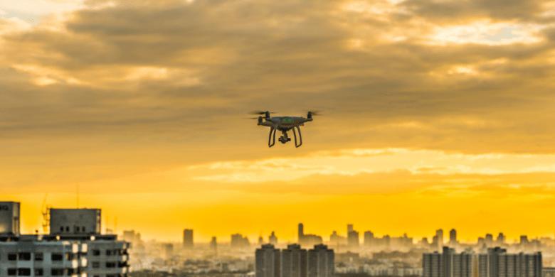 Image drone over cityscape