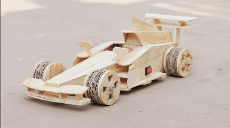 mainan dari kayu bekas