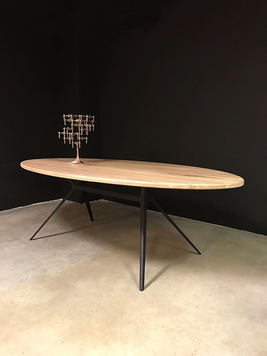 Stoere ovale houten tafel eetkamertafel vergadertafel