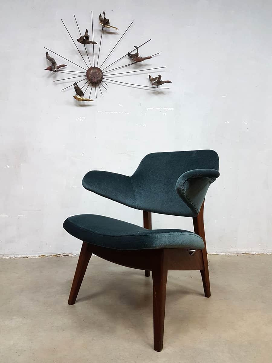 Vintage lounge chair Webe velvet Louis van Teeffelen fauteuil