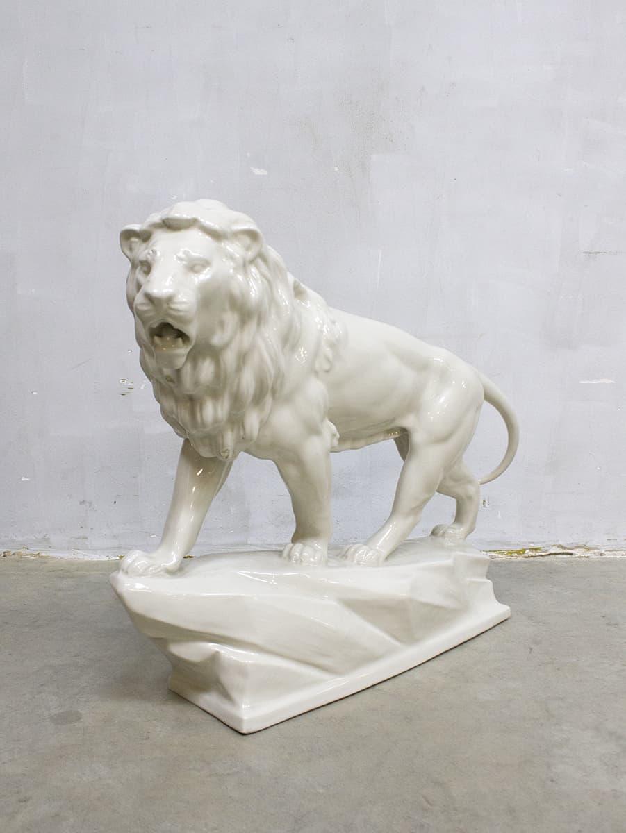Vintage ceramic Lion figure porcelain XXL porseleinen