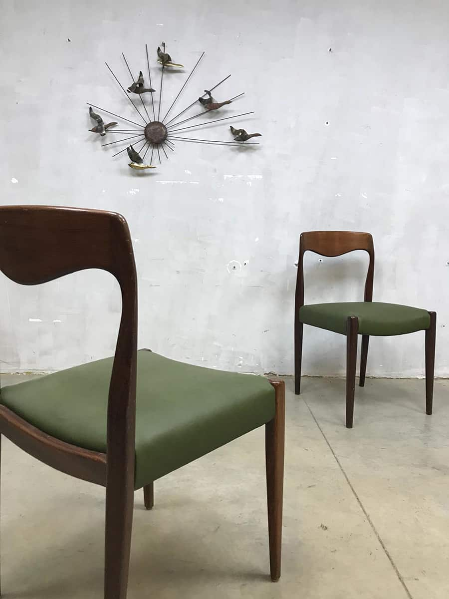 Vintage Danish dining table  dinner chairs Deens design