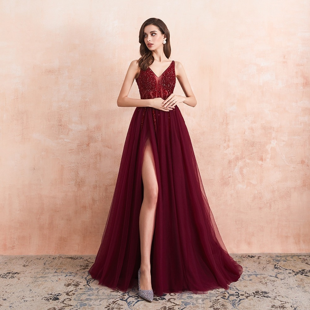 How to Create Elegant Looks With Long Dresses