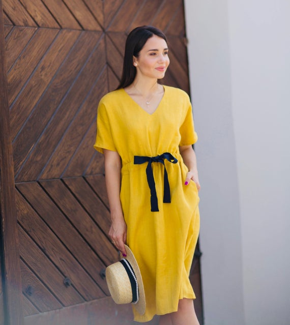 How to Wear a Yellow Dress Womens Style
