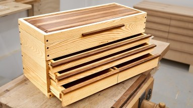 Making a Traditional Machinist Style Toolbox - Woodworking