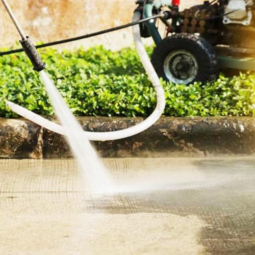 How Much Water Does a Pressure Washer Use?