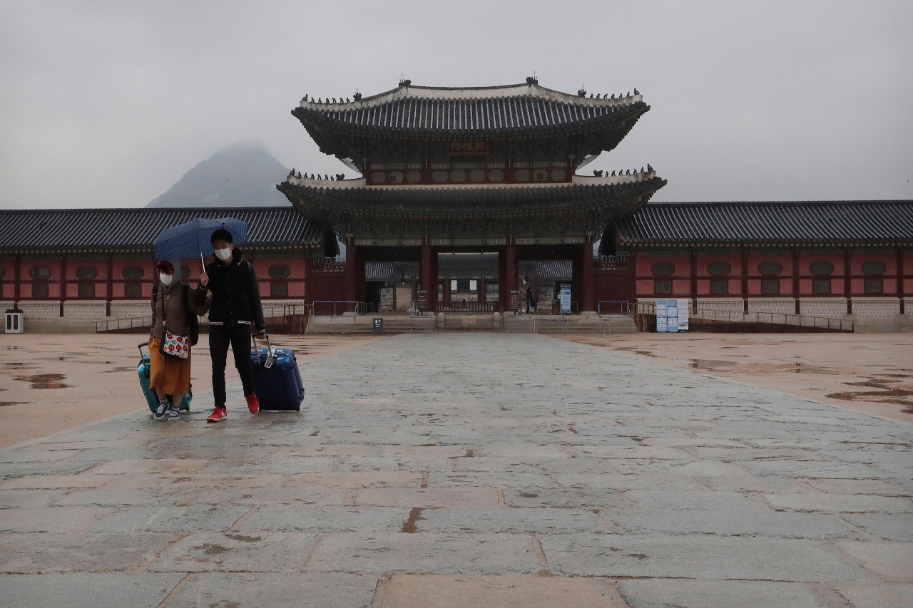 B.C. couple in South Korea says country is paralyzed by fears of ...
