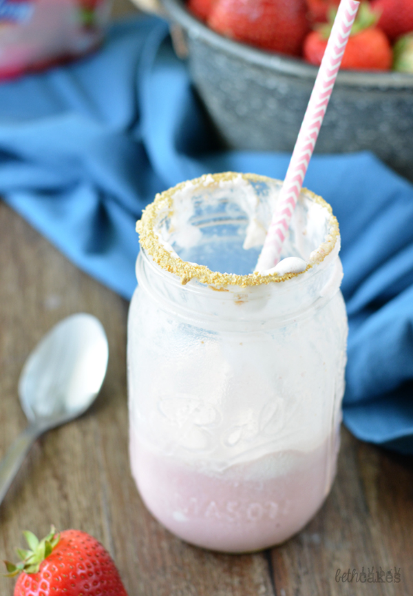 Strawberry Shortcake Milkshakes!