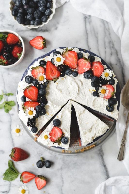 no-bake red, white, & blue cheesecake - bethcakes.com
