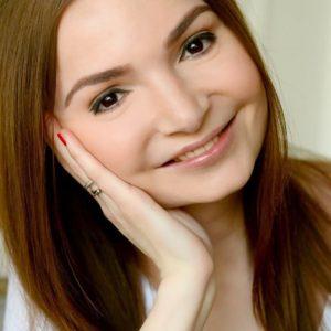 Эля Ылясова, блогер