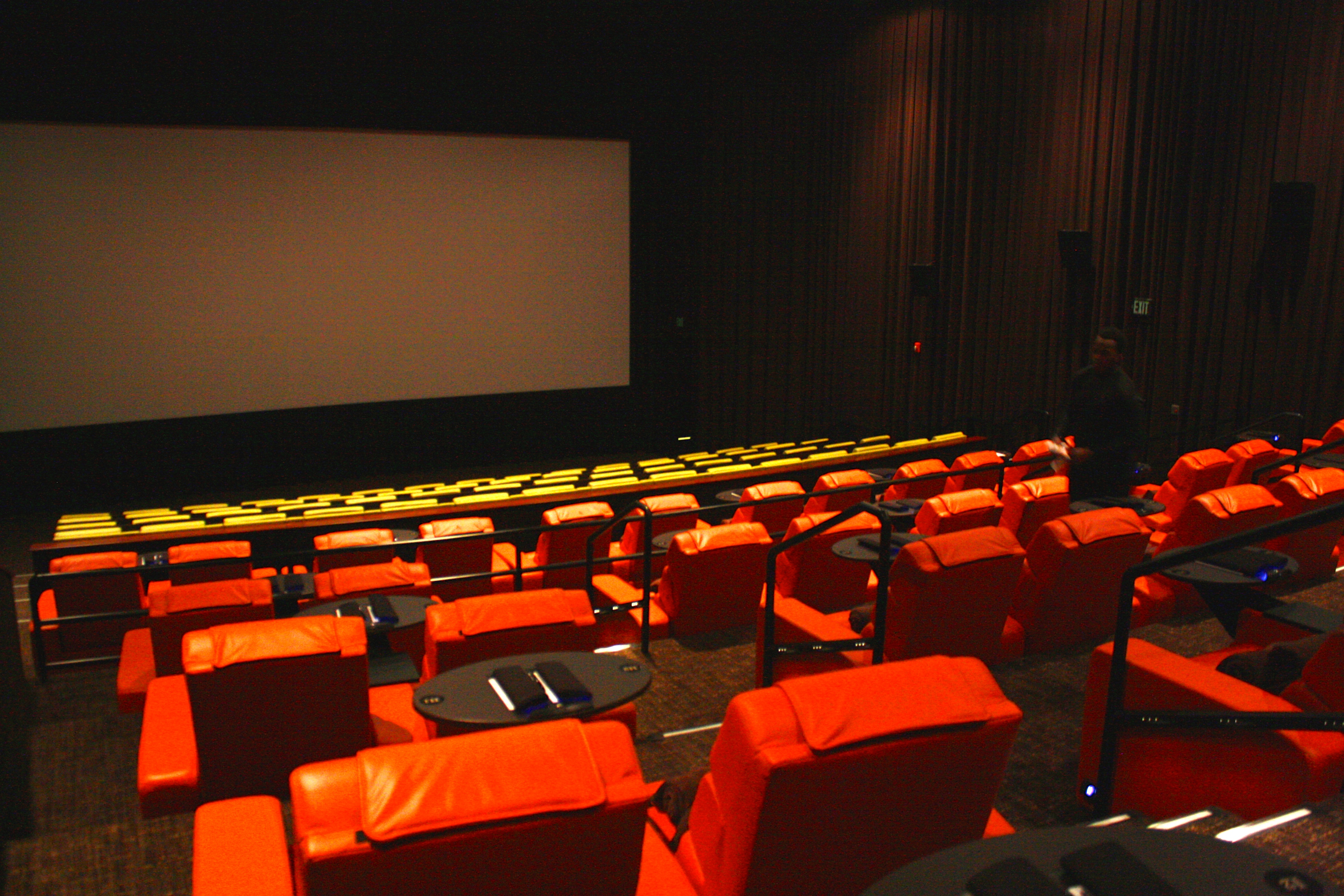 Reclining Chair Movie Theater Ipic Brings Luxury Movie Theater Experience To Pike Rose
