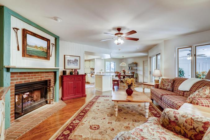 Comfortable & inviting family room