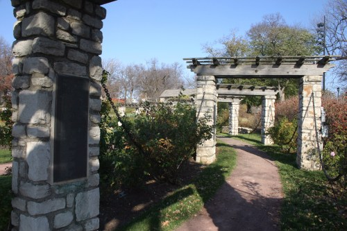 Loose Park Rose Garden curved path KC Nov 2009