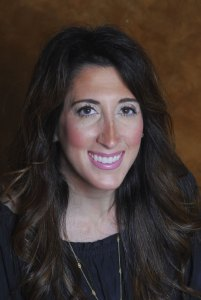Dr Lisa Perotta headshot