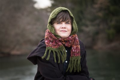 Hooded lace scarf