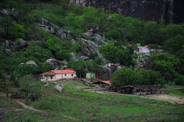 Quixadá - Vila de moradores às margens do Açude Cedro (Fernando Frazão/Agência Brasil