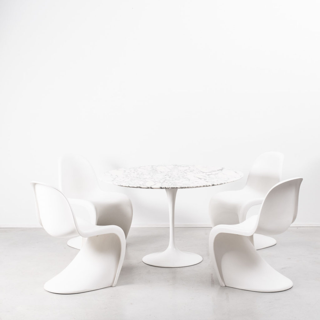 tulip table and chairs uk chair cover for rent wedding eero saarinen dining béton brut