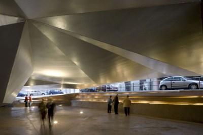 CaixaForum konstcenter i Madrid. Arkitekt: Herzog & de Meuron. Foto: Duccio Malagamba