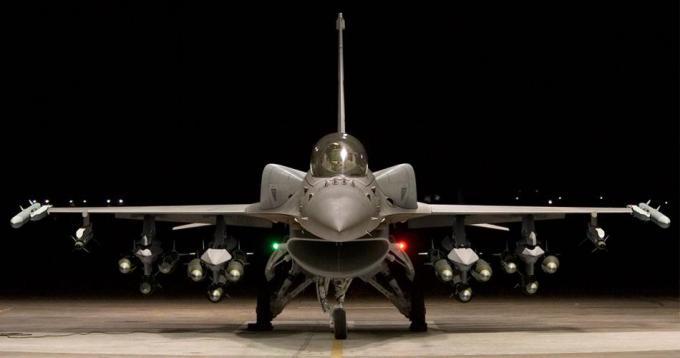 1970s F-16 design packing spanking-new tech - F-16V