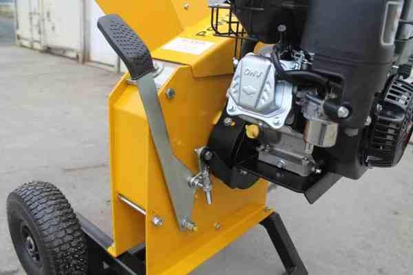 Gas Powered Chipper Cap. 2-3 4