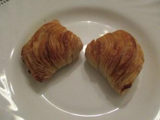 A sfogliatelle pastry