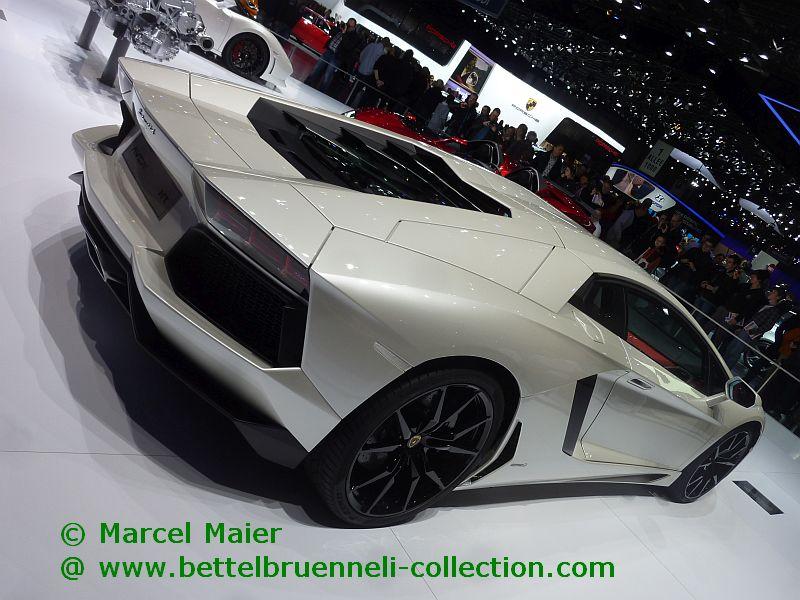 Lamborghini Aventador LP700-4 2012