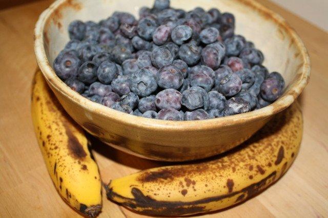 Raw Blueberry Coconut Pie