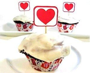 redvelevet-cupcakes-final-1-300x243