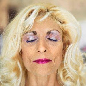 woman wearing eye shadow