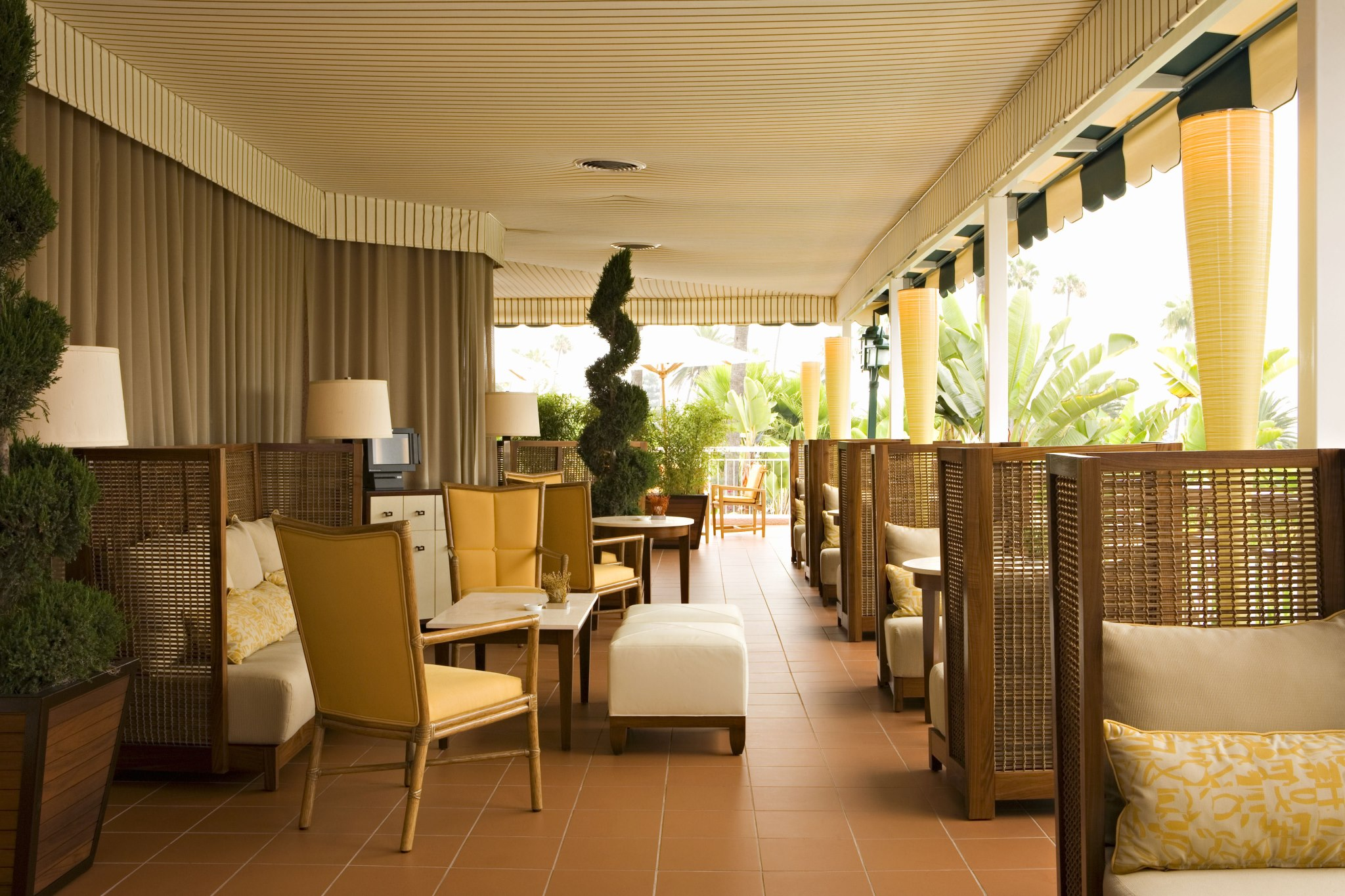 Tropical Modern Dcor At The Beverly Hills Hotel