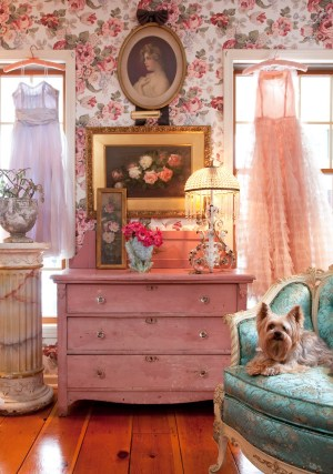 decor pretty pink decorating retro dresser girly floral bedroom 50s blast spaces shabby past chic cottage decoration decorate wall wood