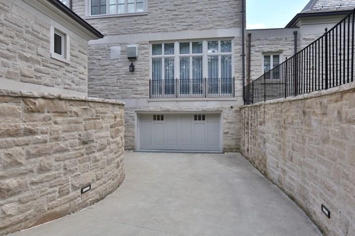 10 High Point Road - Garage Enterance
