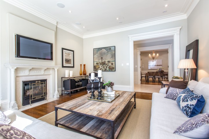 123 Bedford Road - Family Room