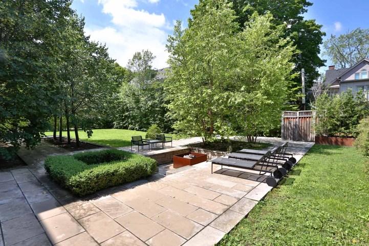 157 South Drive - Backyard Deck