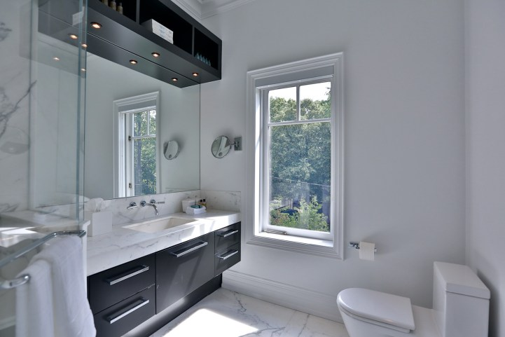 157 South Drive - Bathroom with Shower