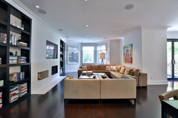 157 South Drive - Family Room