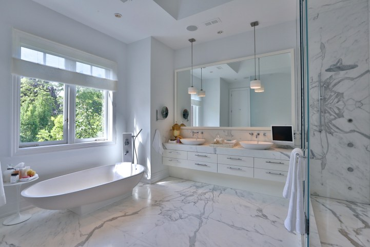 157 South Drive - Master Ensuite