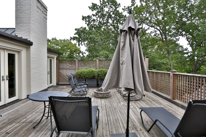 230 Russel Hill Rd - Second Story Patio