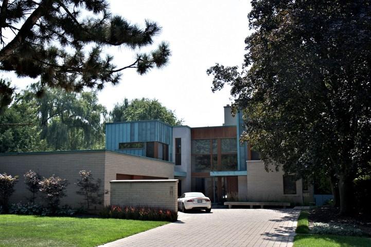 25 Alderbrook Drive - Exterior Front